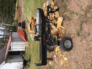 25 ton Forest King wood splitter