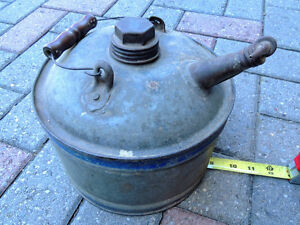 Oil can, Vintage oil can. London Ontario image 8