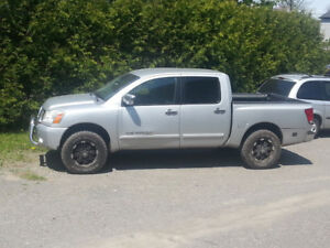 Nissan Titan 4x4 LE cuir / Leather