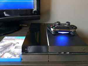 PS4 *Mint condition with box and all accessories* + Watchdogs