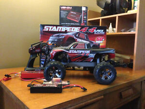 STAMPEDE VXL 4X4  TRAXXAS DEAL OF THE YEAR