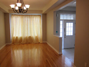 4 Bedrooms Townhouse for Rent, McCowan/Bur Oak, Markham