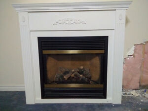 Gas fireplace, direct vent with mantle Stratford Kitchener Area image 1