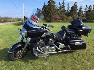2006 Yamaha Royal Star Midnight Venture motorcycle cruiser
