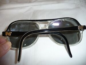 MEN'S BRAND NEW PAIR OF NINA RICCI SUNGLASSES North Shore Greater Vancouver Area image 2