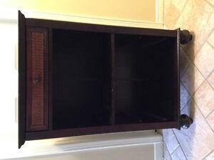 Mini bar cabinet