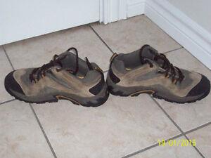 columbia hiking shoe, mens size 8,columbia xl t shirts,shorts