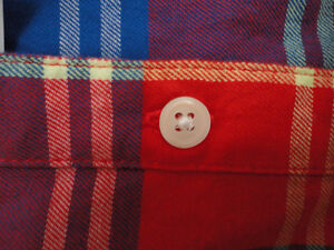 Women's Old Navy red plaid flannel dress shirt buttondown XL NWT London Ontario image 4