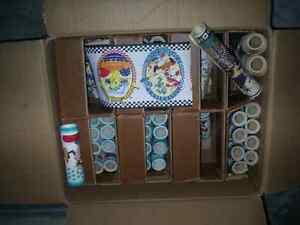 3 boite de tapiserie + de 200 rouleaux