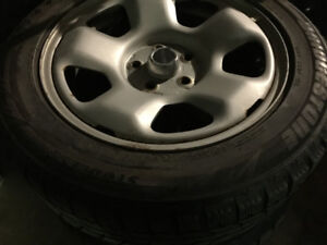 Bridgestone Blizzak 225/55R17 winter tire/ pneu d'hiver