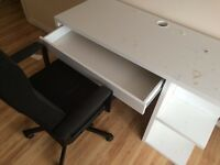 Desk and chairs for sale (clear out)