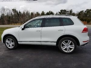 NEW PRICE 2014 VW Touareg 3.0 L V6 Turbo Diesel- 110,000 km's