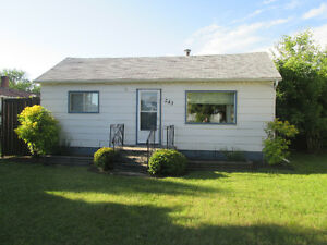 Well cared for, 3 bedroom bungalow