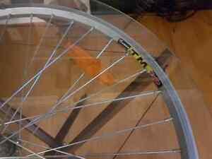 Bicycle RIm/wheel side table Oakville / Halton Region Toronto (GTA) image 2