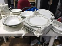 Dinner service Johnson brothers eternal beau 58 pieces