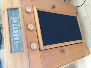 Meuble de collection, radio am, table tournante- RCA Victor