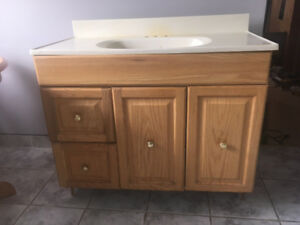 Bathroom Vanity & Matching 3 Mirror Med Cab. PRICED REDUCED!!!