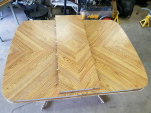 table SOLD pending pickup