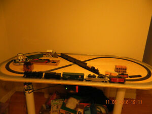 Lionel and Bachman Trainset on table. $500 obo Peterborough Peterborough Area image 4
