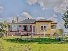 Spacious Family Home on the Outskirts of Town, 25acres with Excel Woodstock Cowra Area Preview