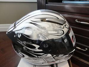 Zoan Revenge Helmet Size XS White Flame w/4 Visor Incl.Brand New Kitchener / Waterloo Kitchener Area image 2