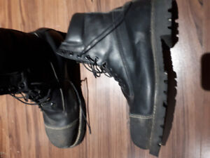 Mens size 13 2E steel toed leather work boots for sale