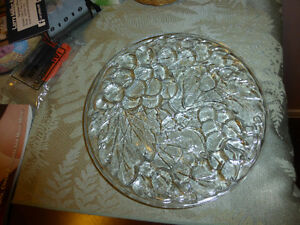 Glass Serving Plates - Two Sizes - Grape/Leaf Design Kitchener / Waterloo Kitchener Area image 2