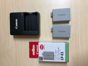 Canon battery pack and Canon battery charger
