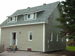 Iroquois Falls 3 bedroom house on 2 acres