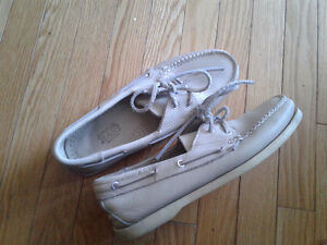 Bass Deck Shoes Taupe