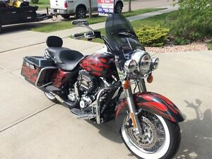 2013 Harley Davidson Road King Low Kms!