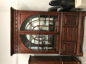 Large lighted glass and wood bookcase. Stunning quality!