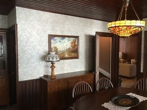 EXPERIENCED FEMALE PAINTER AND WALLPAPER HANGER! Cambridge Kitchener Area image 4
