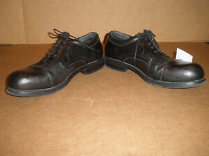 HUNTER'S BAY Black Laced Shoes  Size 13 London Ontario image 3