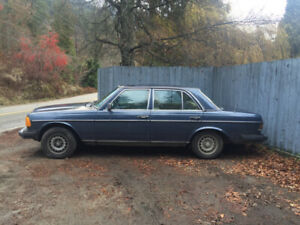 Mercedes 1982 Navy Blue 300D Turbo Diesel