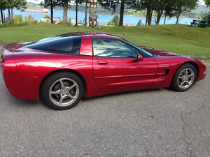 2001 Chevrolet Corvette Base Coupe (2 door)