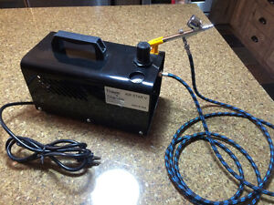 Thayer & Chandler Air Brush compressor with Peak C-5 Air Brush. West Island Greater Montréal image 1