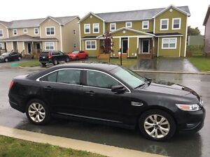 Fully loaded 2011 Ford Taurus Sel