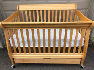 Baby Crib with Mattress and Drawer