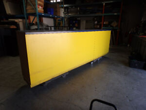 Large Counter/Reception Parts Counter