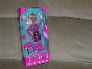 Older Barbies new in box Dance Moves Glitter Hair each 20.00 Kitchener / Waterloo Kitchener Area image 2