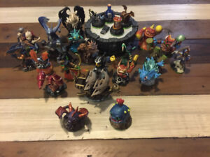 Skylanders Series One (Game, Portal of Power, and 25 characters)