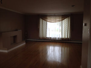 3 bedroom main floor Heat Incl.