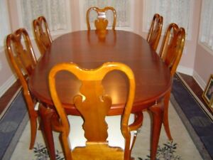 Queen Anne Dining Table/8 Chairs/Buffet and Hutch/Solid Cherry