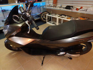 2015 150cc gas scooter 800 kms.     recycledgear.ca Kawartha Lakes Peterborough Area image 2