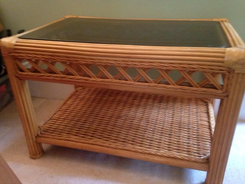 Lovely conservatory table in southampton hampshire for Coffee tables gumtree london