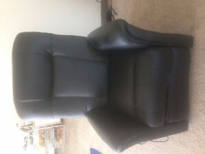 Recliner buy or sell chairs recliners in edmonton kijiji classifieds page 9 - Massage chairs edmonton ...