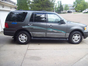 2004 Ford Expedition XLT SUV, 4X4  ONLY 93700 KM