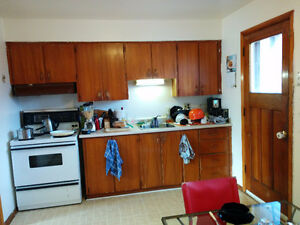 Roommate wanted, spacious 2 Bedroom, east city with great view Peterborough Peterborough Area image 3
