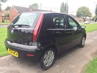 Fiat Punto 1.2 8v Active 5dr 12 MONTHS TEST immaculate condition 2 keys cheap insurance